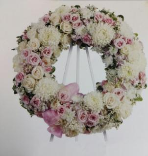 Remembrance Wreath/Hydrangea,Roses,Chusions
