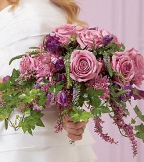 Nottingham Bouquet/Sweet Pea,Roses,Veronica,Heather,Cushions
