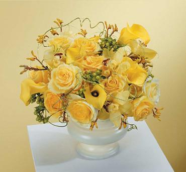 Yellow Urn Arrangement/Calla Lilly,Roses