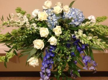 Casket Spray/Hydrangea,Roses,Delph,Larkspur,Snap,Bell of Ireland