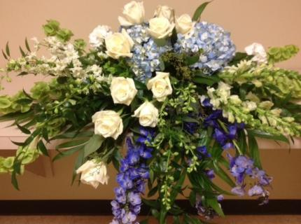 A Casket Spray/Hydrangea,Rose,Delph,Larkspur,Snap,Bells
