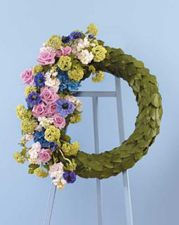 Eucalyptus Scaled Wreath/Viburnum,Roses,Stock,Hydrangea