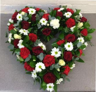 Heart of Peace/Roses,Carnations,Daisies/18""