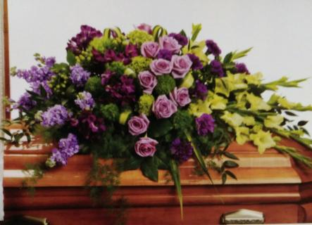 A Cherished Spray/Hydrangea,Roses,Alstro,Glads,Carns,Stock