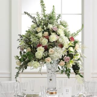 Elevated Centerpiece/Roses,Hydrangea,Baby Breath