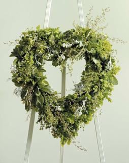 Green Foliage standing heart/18""