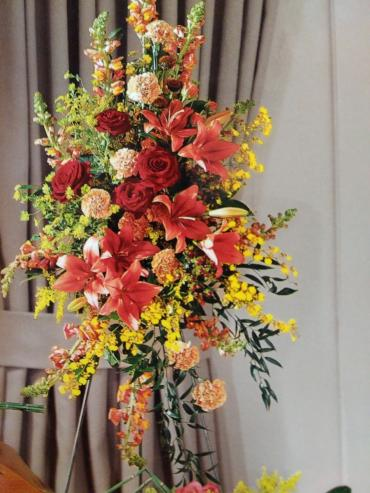 Prayer Spray/Snaps,Carns,Oncidium Orchid,Roses,Solidego,