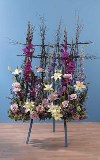 Window Box Standing Spray/Stock,Glads,Roses,Freesia,Monte