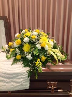 A Casket Spray/Carns,Fujis,Roses,Snaps