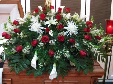 Casket Spray/Roses,Lilly,Wax,Cali Lilly,Fuji