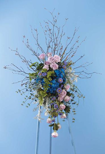 Woodsy Standing Spray/Hydrangea,Roses,Asters