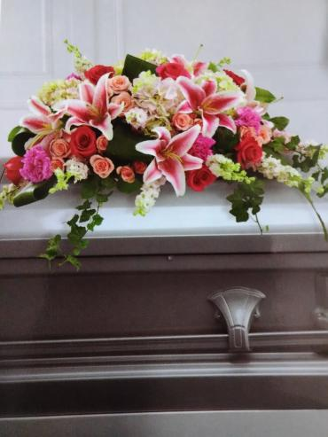 A Casket Spray/Carns,Roses,Lily,Hydrangea