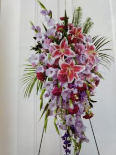 Standing Spray Adornement/Lillie,Glads,Carns,Larkspur,Alstro