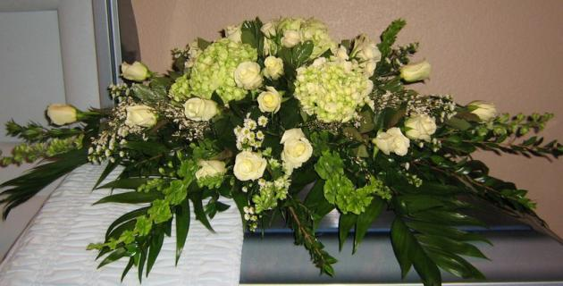 A Casket Spray/Hydrangea,Roses,Lilly,Bells of Ireland