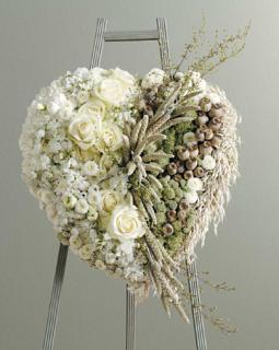 Heart/ Of White Roses,Stock,Carns and Dried Flowers/18""