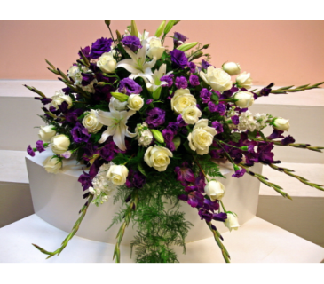 A Casket Spray/Glads,Lily,Roses,Lisianthus