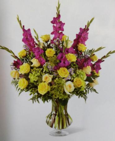 Touch of Heart/Roses,Glads,Hypericum,Hydrangea,Monte Casino