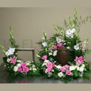 Urn Arrangement/Glads,Snaps,Lily,Roses,Cushions/Click for price